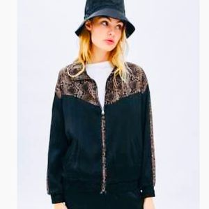 NWT🖤Zara trf Collection Snake Print Bomber Zip-up